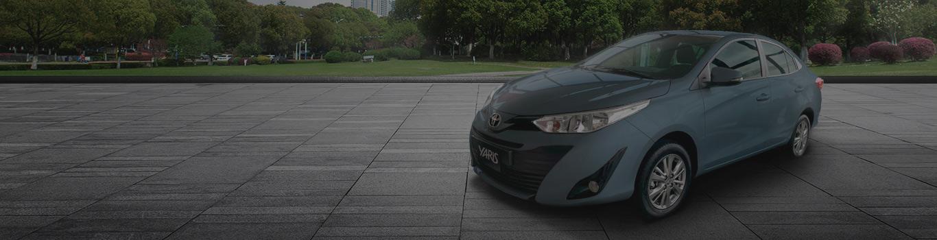 Toyota-Yaris-Sedán-XL-Novamotors