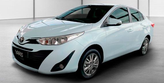 Toyota-Yaris--Sedán-XS-Novamotors
